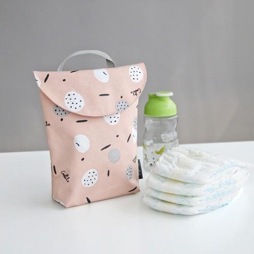 韓國 Conitale  防水手提尿布收納袋-粉粉果實