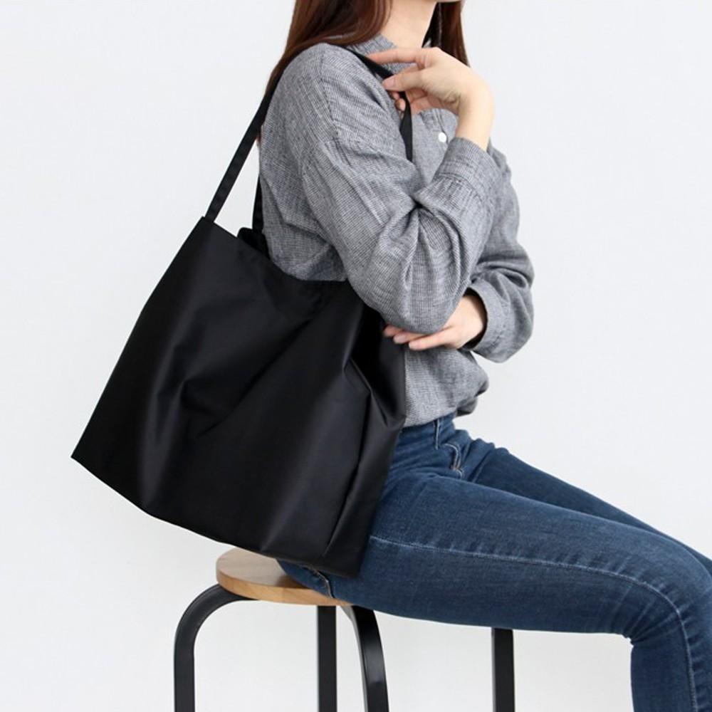 韓國 Conitale  防水子母袋單肩媽媽包-光澤黑