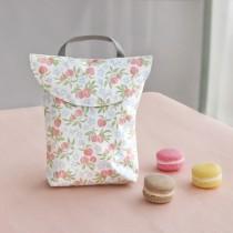 韓國 Conitale  防水手提尿布收納袋-甜心小桃